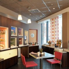 Отель Novotel Suites München Parkstadt Schwabing Германия, Мюнхен - 9 отзывов об отеле, цены и фото номеров - забронировать отель Novotel Suites München Parkstadt Schwabing онлайн питание фото 2