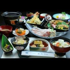 Отель Hayato Ryokan Цуруока питание