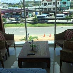 Отель Phuket Airport Suites & Lounge Bar - Club 96 Таиланд, Пхукет - отзывы, цены и фото номеров - забронировать отель Phuket Airport Suites & Lounge Bar - Club 96 онлайн интерьер отеля
