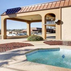 Отель Econo Lodge Vicksburg США, Виксбург - отзывы, цены и фото номеров - забронировать отель Econo Lodge Vicksburg онлайн бассейн фото 3