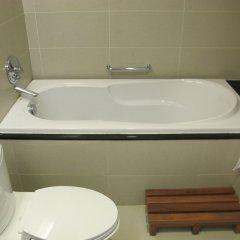 Nhi Phi Hotel ванная фото 2