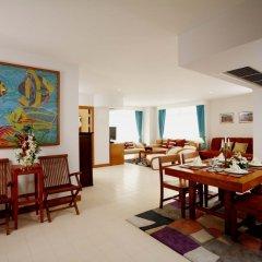 Отель Waterfront Suites Phuket by Centara комната для гостей фото 3