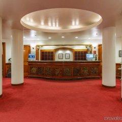 The Roger Smith Hotel интерьер отеля