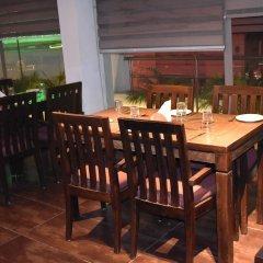 Отель Godwin Deluxe Индия, Нью-Дели - 1 отзыв об отеле, цены и фото номеров - забронировать отель Godwin Deluxe онлайн питание фото 2