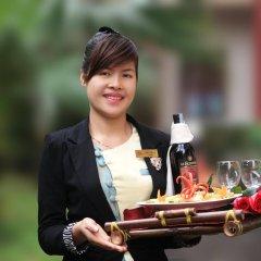 Отель Bach Dang Hoi An Hotel Вьетнам, Хойан - отзывы, цены и фото номеров - забронировать отель Bach Dang Hoi An Hotel онлайн приотельная территория