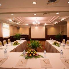 Отель Diamond Westlake Suites Ханой помещение для мероприятий