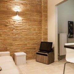 Апартаменты Gold and Blue Luxurious Apartment комната для гостей фото 4
