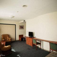 Гостиница Виктория Палас в Астрахани отзывы, цены и фото номеров - забронировать гостиницу Виктория Палас онлайн Астрахань комната для гостей фото 2