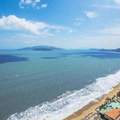 Отель InterContinental Nha Trang Вьетнам, Нячанг - 3 отзыва об отеле, цены и фото номеров - забронировать отель InterContinental Nha Trang онлайн пляж фото 2