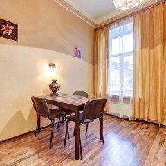 Гостиница na Semi Uglah в Санкт-Петербурге отзывы, цены и фото номеров - забронировать гостиницу na Semi Uglah онлайн Санкт-Петербург комната для гостей фото 3