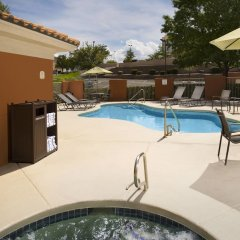 Отель Fairfield Inn & Suites by Marriott Albuquerque Airport бассейн