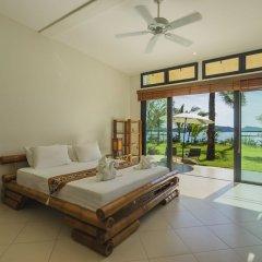 Отель Beach Front Luxury Villa Hai Leng Таиланд, пляж Панва - отзывы, цены и фото номеров - забронировать отель Beach Front Luxury Villa Hai Leng онлайн комната для гостей фото 2