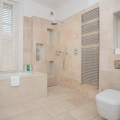 Отель 4 Bedroom House Next to Primrose Hill Великобритания, Лондон - отзывы, цены и фото номеров - забронировать отель 4 Bedroom House Next to Primrose Hill онлайн ванная