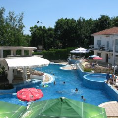Отель Bellevue Hotel Болгария, Золотые пески - 5 отзывов об отеле, цены и фото номеров - забронировать отель Bellevue Hotel онлайн бассейн фото 3