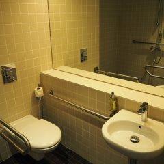 Отель easyHotel Barcelona Fira Испания, Оспиталет-де-Льобрегат - отзывы, цены и фото номеров - забронировать отель easyHotel Barcelona Fira онлайн ванная