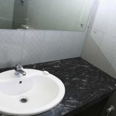 Отель Yoho Hotel Sunshine Шри-Ланка, Коломбо - отзывы, цены и фото номеров - забронировать отель Yoho Hotel Sunshine онлайн ванная фото 2