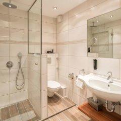 Отель Isartor Германия, Мюнхен - 1 отзыв об отеле, цены и фото номеров - забронировать отель Isartor онлайн ванная фото 2