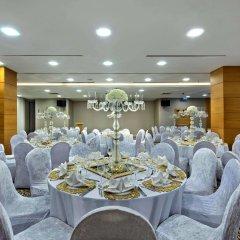 Отель Hilton Garden Inn Istanbul Golden Horn