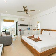 Апартаменты Patong Studio Apartments комната для гостей