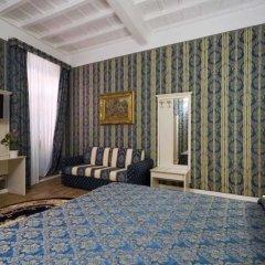 Отель Relais Fontana Di Trevi Рим сейф в номере