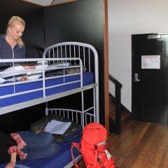 Отель Bunk Backpackers сауна