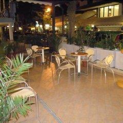 Отель ASSO Римини бассейн