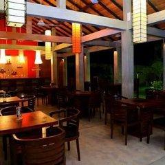 Отель Chaarya Resort & Spa by Chandrika гостиничный бар