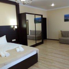 Гостиница Альпен Хаус (Геленджик) комната для гостей фото 3