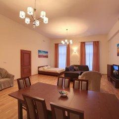 Отель Slunecni Lazne Карловы Вары в номере фото 2