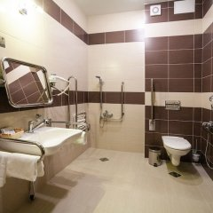 Гостиница BISHOTEL в Липецке 2 отзыва об отеле, цены и фото номеров - забронировать гостиницу BISHOTEL онлайн Липецк ванная фото 2