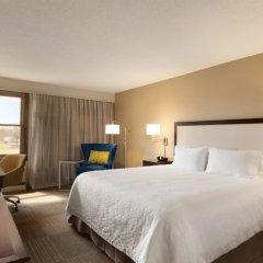 Отель Hampton Inn & Suites Springdale комната для гостей