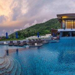 Отель Yama Phuket бассейн