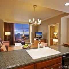 Отель Hilton Grand Vacations on the Las Vegas Strip комната для гостей фото 5