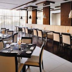Movenpick Hotel Apartments Al Mamzar Dubai питание фото 2