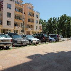 Апартаменты Menada Amadeus 3 Apartments парковка