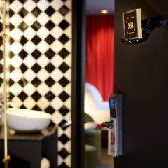 Axel Hotel Madrid - Adults Only сейф в номере