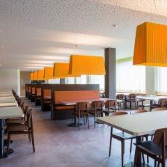 Отель Youth Hostel St. Moritz Швейцария, Санкт-Мориц - отзывы, цены и фото номеров - забронировать отель Youth Hostel St. Moritz онлайн гостиничный бар