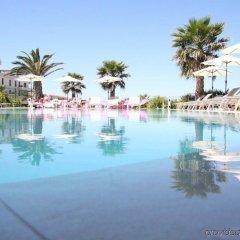 Отель Golden Tulip Villa Massalia бассейн фото 3