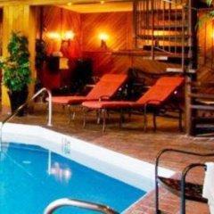 Отель Chateau Jasper бассейн фото 3