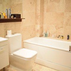 Отель 1 Bedroom Apartment With Patio in London Великобритания, Лондон - отзывы, цены и фото номеров - забронировать отель 1 Bedroom Apartment With Patio in London онлайн ванная