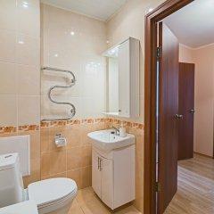 Отель FlatHome24 metro Komendanskiy prospect Санкт-Петербург ванная фото 2