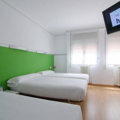 Hotel Centro Vitoria hcv сейф в номере