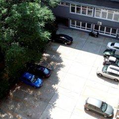 Hotel Charles парковка