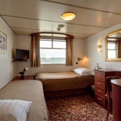 Отель KNM MS Switzerland II - Düsseldorf комната для гостей фото 3