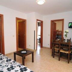 Отель Apartaments AR Caribe Испания, Льорет-де-Мар - отзывы, цены и фото номеров - забронировать отель Apartaments AR Caribe онлайн комната для гостей фото 4