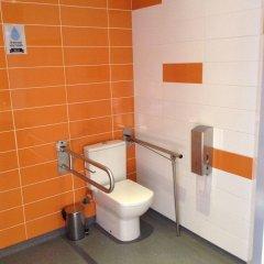 Отель Twentytú Hostel Испания, Барселона - 2 отзыва об отеле, цены и фото номеров - забронировать отель Twentytú Hostel онлайн ванная фото 3