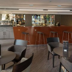 Отель Catalonia Sagrada Familia Барселона гостиничный бар