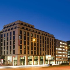 Отель InterCityHotel Hamburg Hauptbahnhof Германия, Гамбург - 1 отзыв об отеле, цены и фото номеров - забронировать отель InterCityHotel Hamburg Hauptbahnhof онлайн вид на фасад