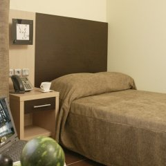 Anessis Hotel сейф в номере