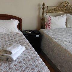 Отель Golden Horn Guesthouse сейф в номере
